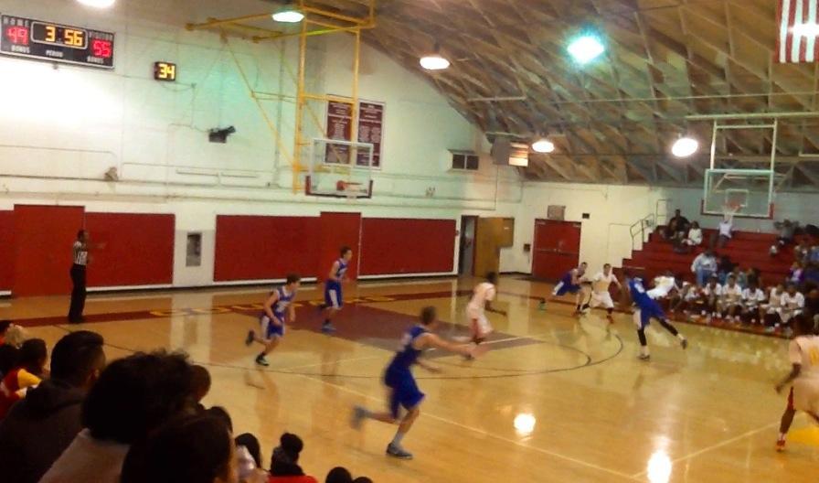 Boys+varsity+plays+Hawthorne.